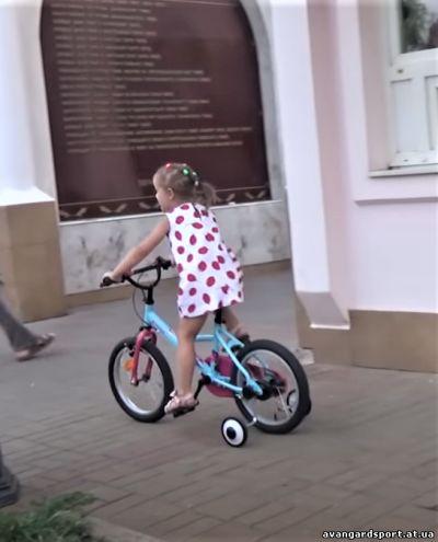 Обучение езде на детском велосипеде